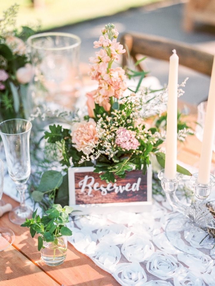 Cute head table for bridal party