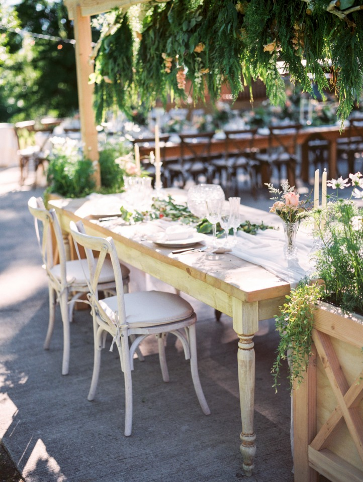 Oversized decor elements for your sweetheart table