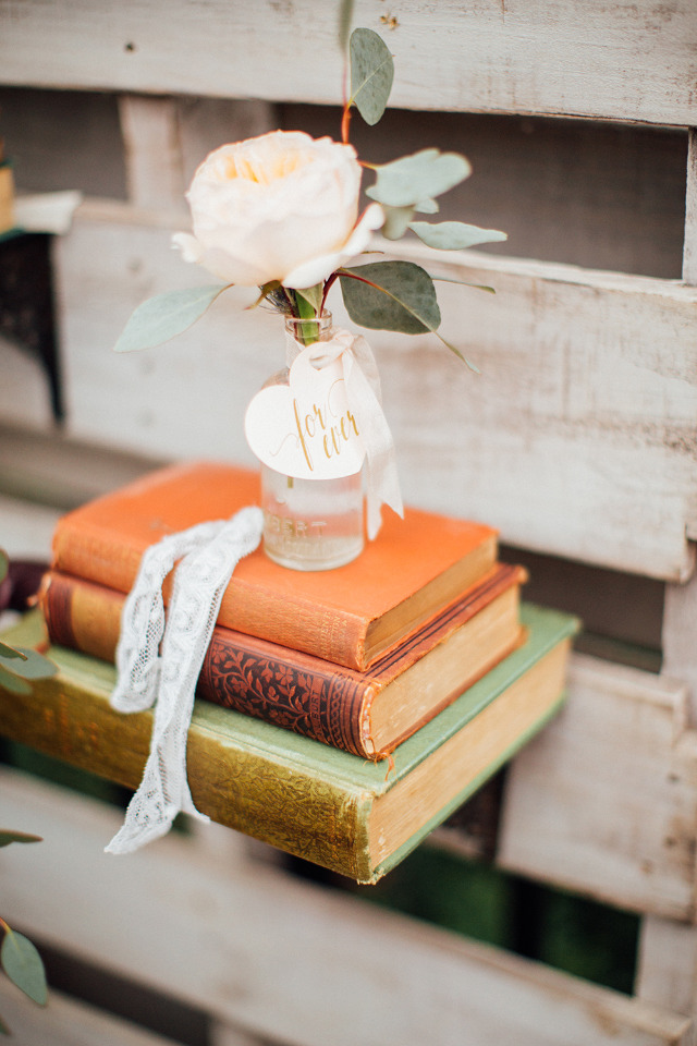 vintage books for your wedding