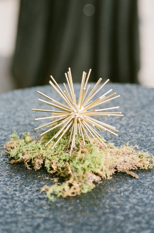 modern moss accented wedding decor