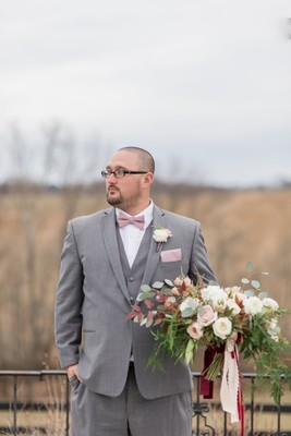 This Adorable Couple Won Their Stylish Winter Elopement