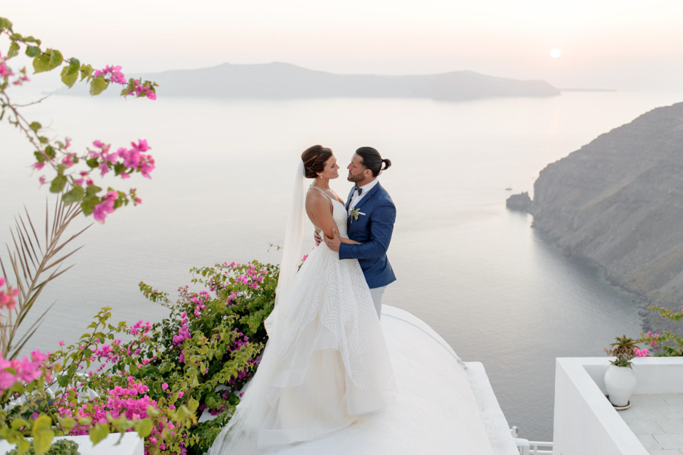 beautiful sunset wedding photography in Greece