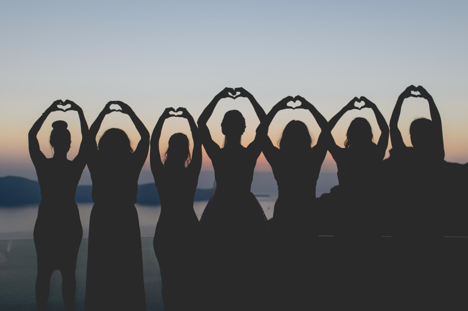 bridesmaids heart wedding photo silhouette
