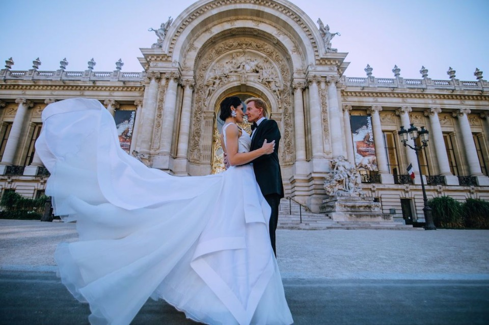 Pre-wedding portrait session in Paris