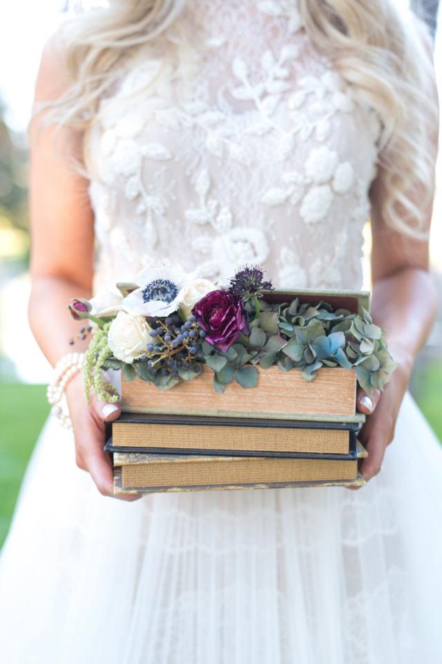 books and flowers wedding decor