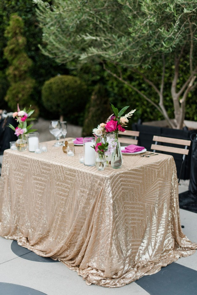 Love this gold sweetheart table