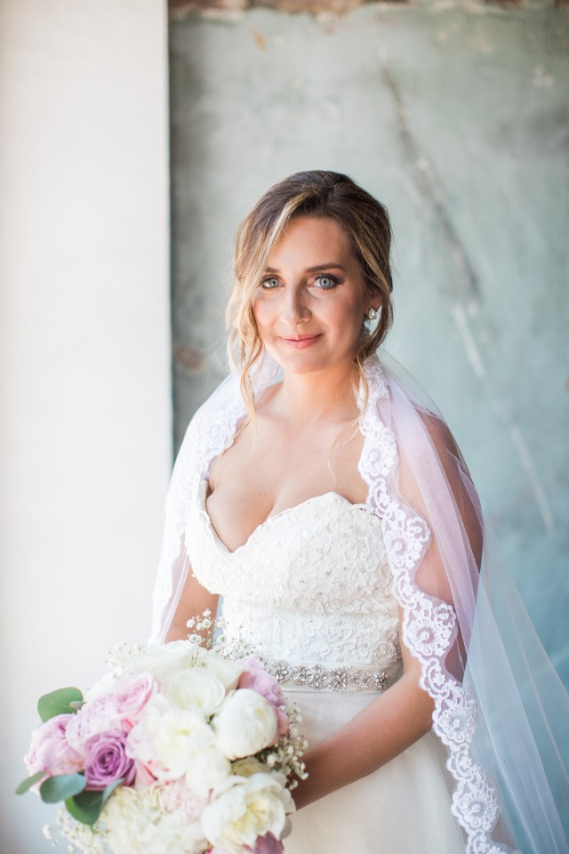 sweet and classic bridal style