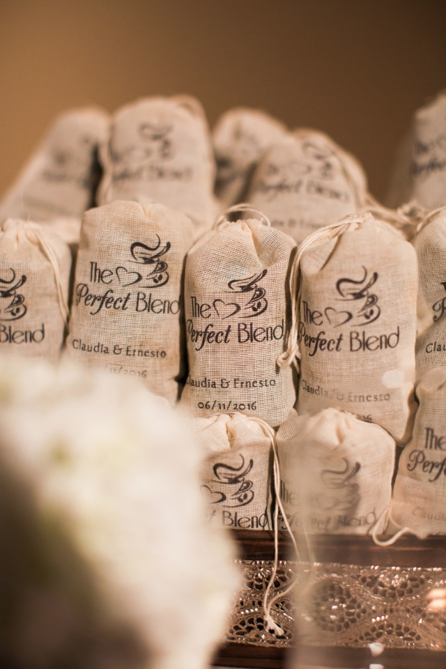 bags of coffee wedding favors