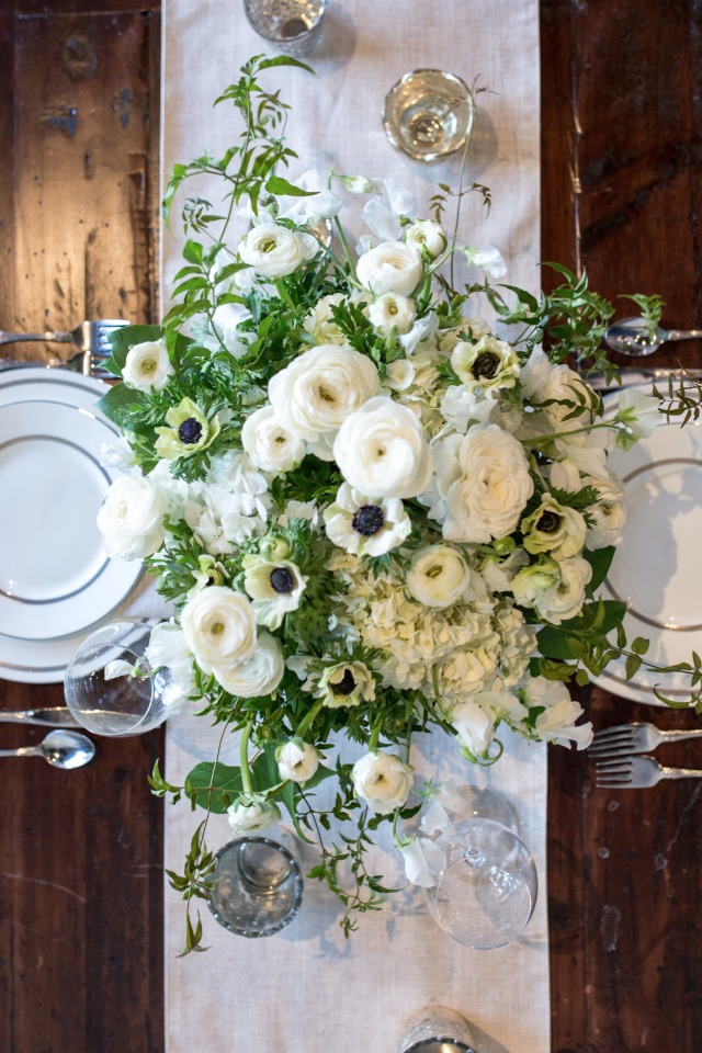 Gorgeous Diy White And Green Centerpiece