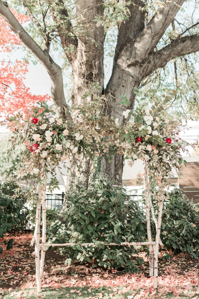 October garden wedding ceremony decor