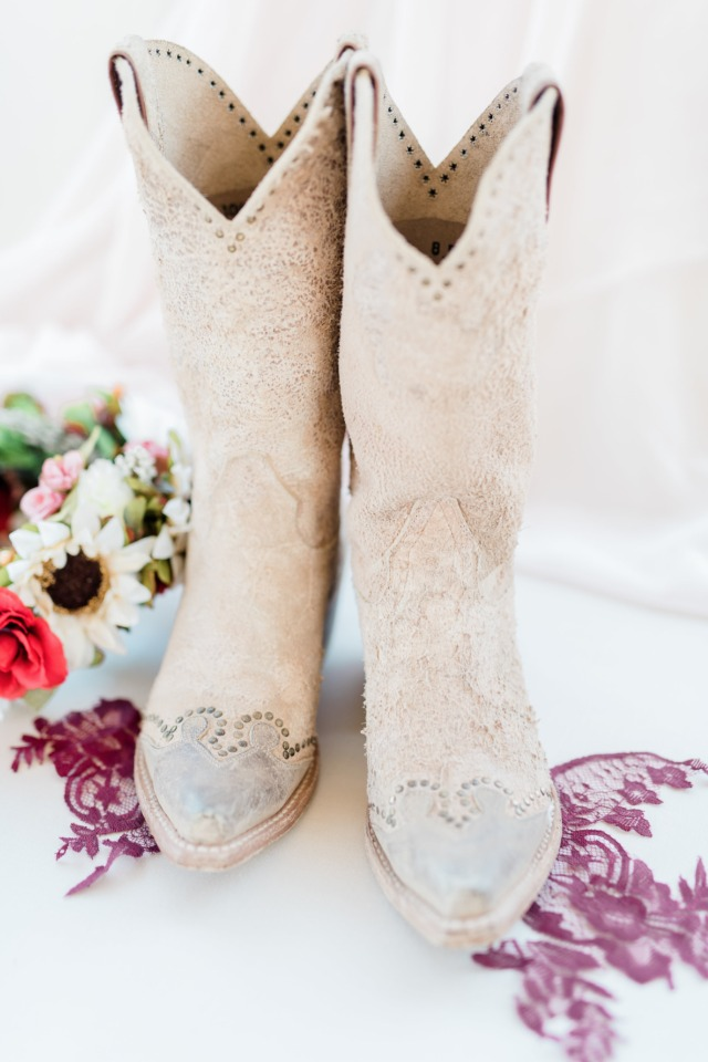 Bridal cowgirl boots