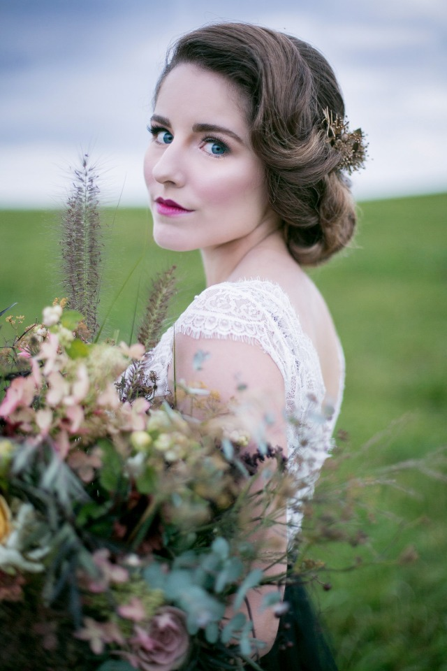 classic glamour wedding hair and makeup idea