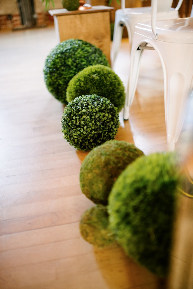 topiary wedding aisle decor