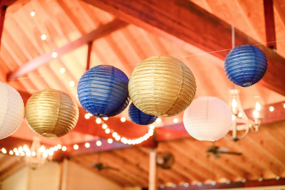 blue and gold wedding decor