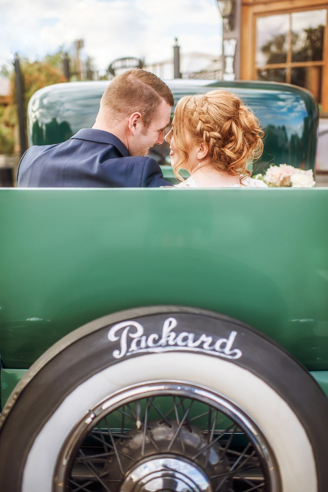 vintage getaway wedding car