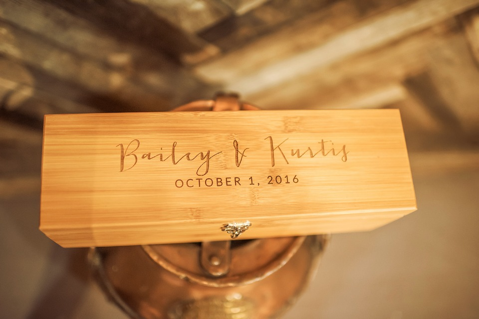 wedding wine box for your first anniversary