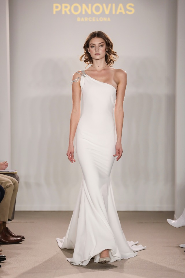 2018 Atelier Pronovias Preview Collection