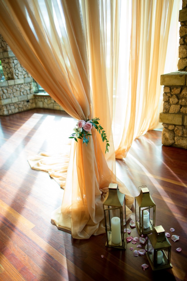 romantic gold and pink wedding decor