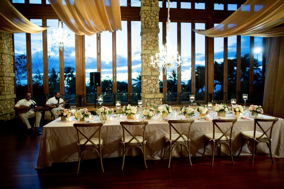 intimate dinner party wedding reception