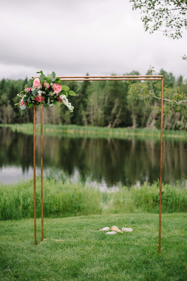 simple and modern copper pipe wedding arch