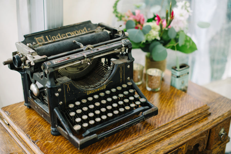 vintage typewriter wedding decor
