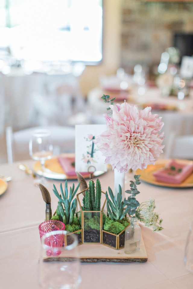 dahlia and succulent wedding centerpiece ideas
