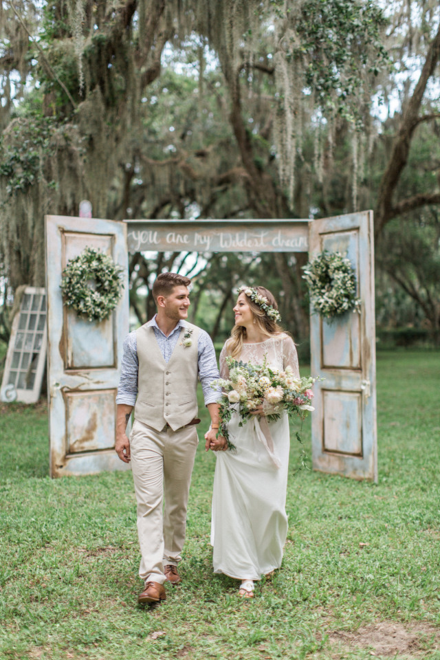 Boho Wedding Dress Florida : This florida wedding is bursting with beautiful