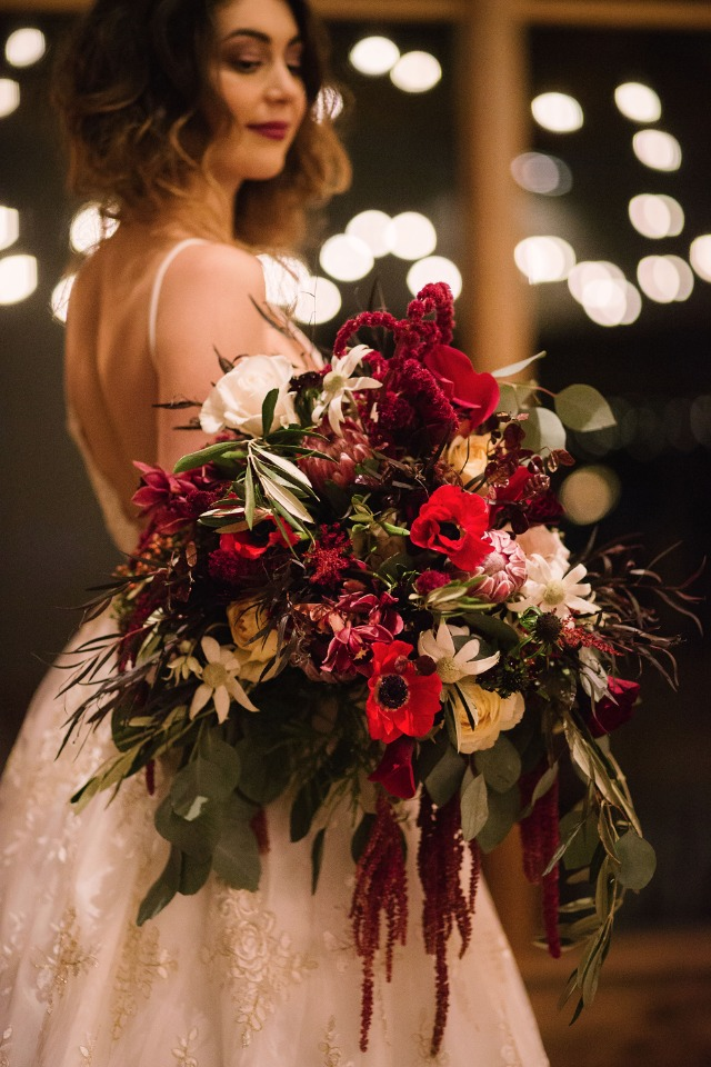 wedding bouquet perfect for your fall wedding