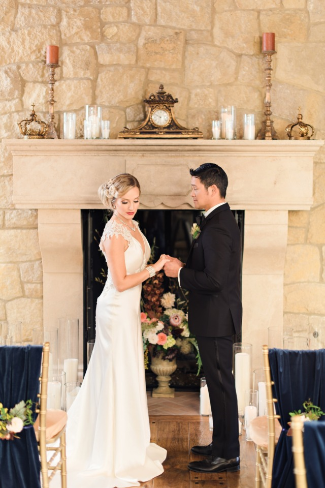 Elegant fireplace ceremony