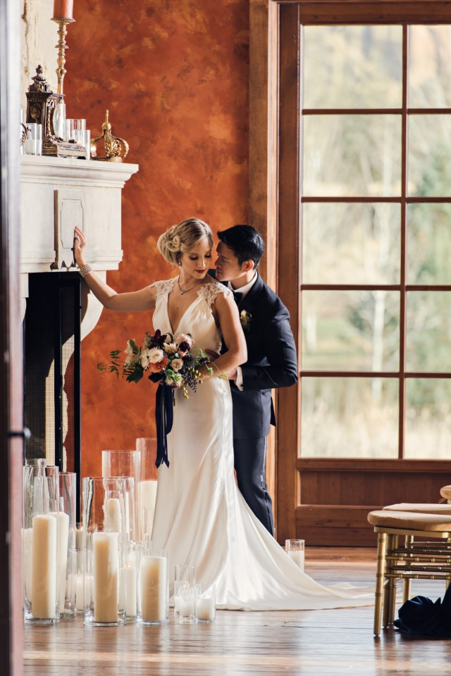 Stylish navy and gold wedding ideas