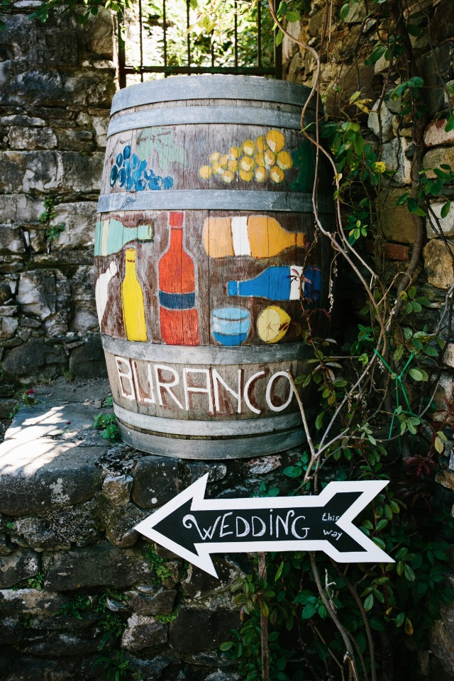Cute vineyard wedding sign