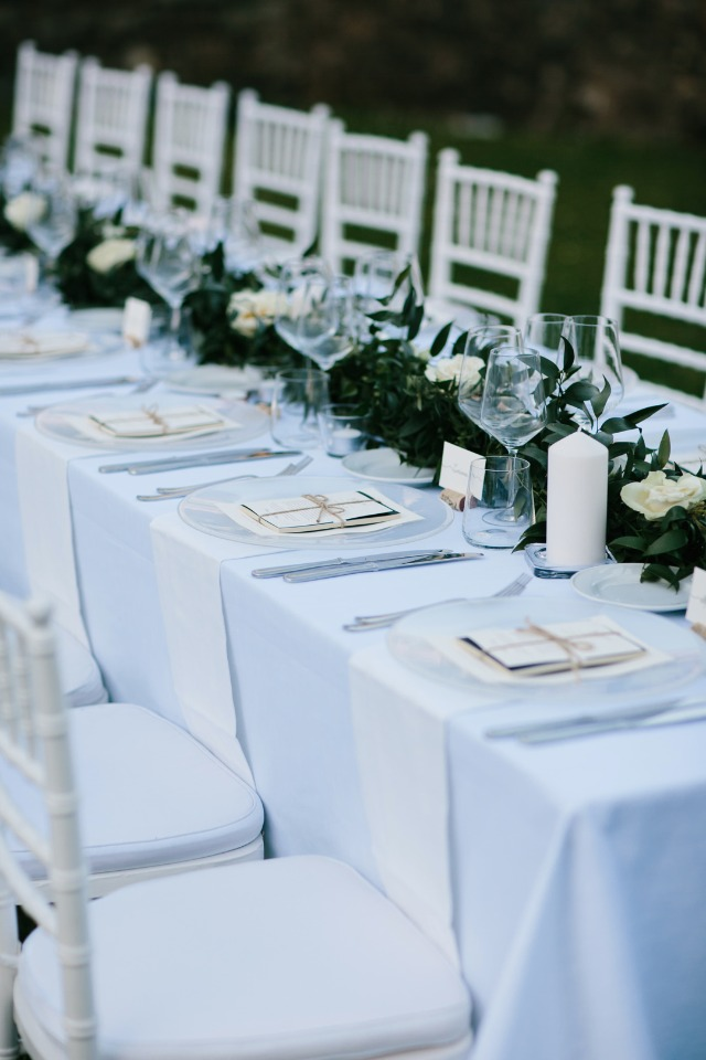 Garland centerpiece with white roses