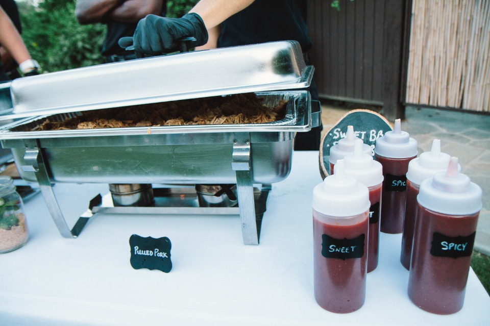 build your own pulled pork sandwich bar