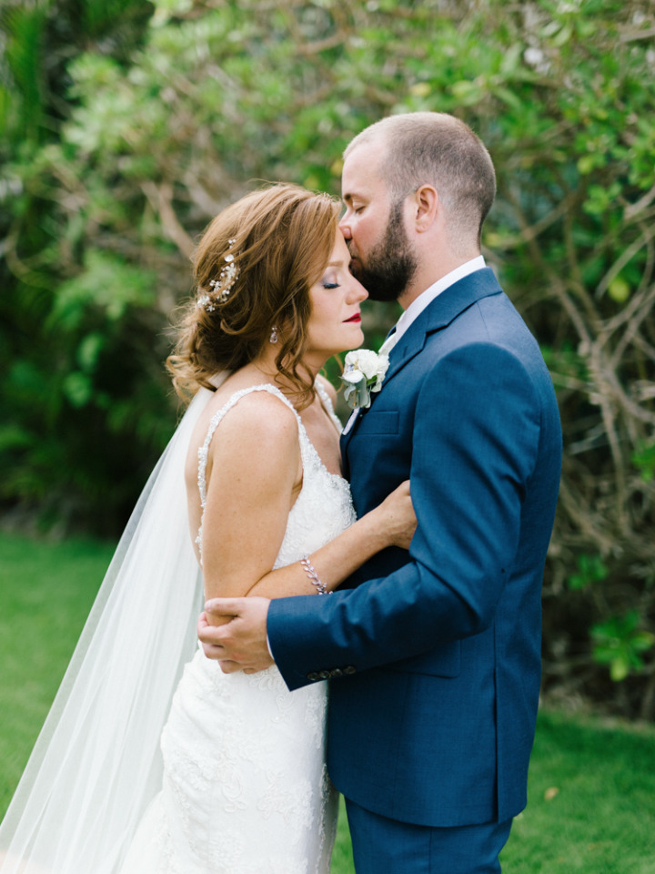 adorable first look for a wedding