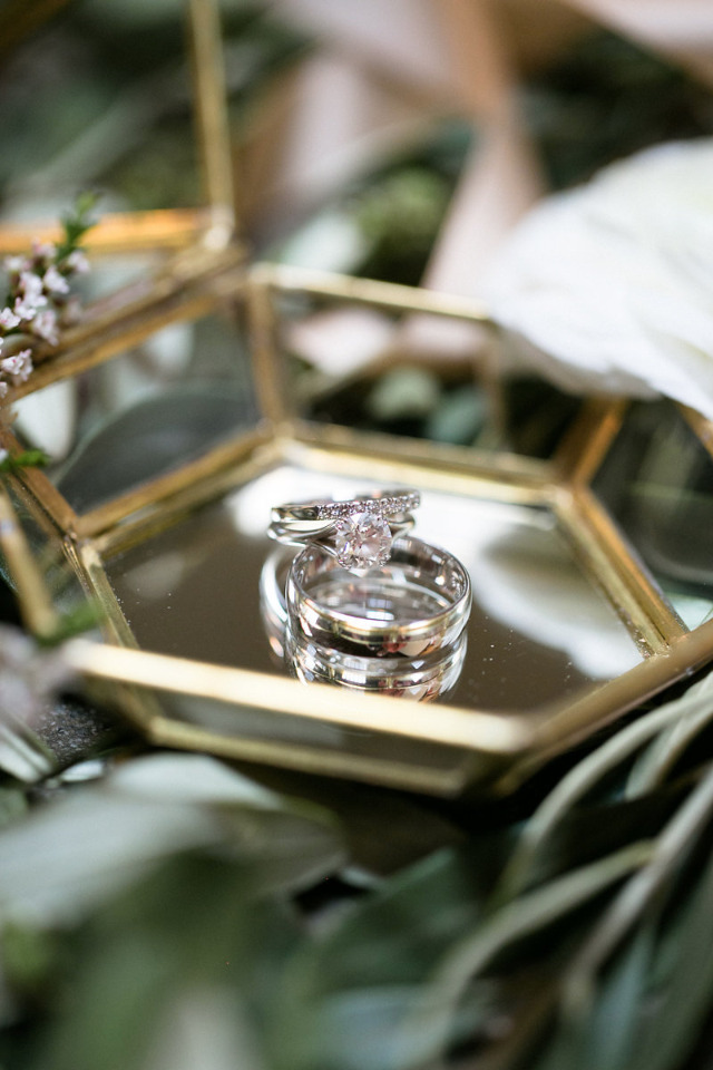 classic and beautiful wedding rings