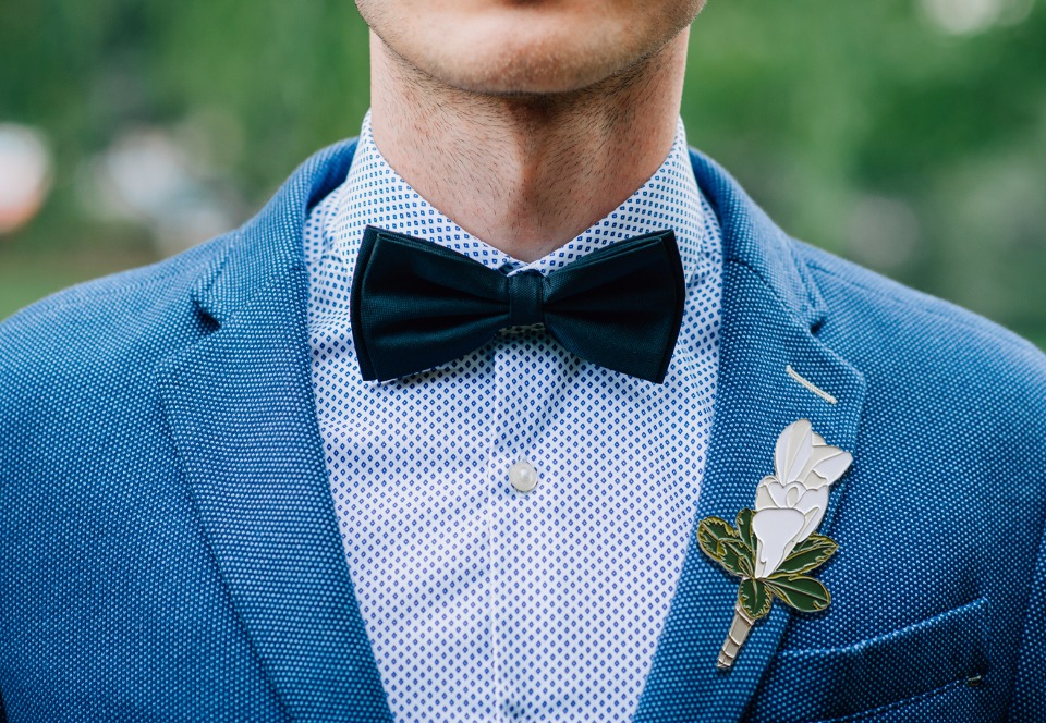 groom boutonniere pin