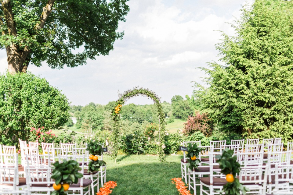 outdoor garden wedding decor