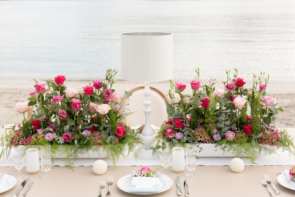 mixed pink rose wedding centerpieces