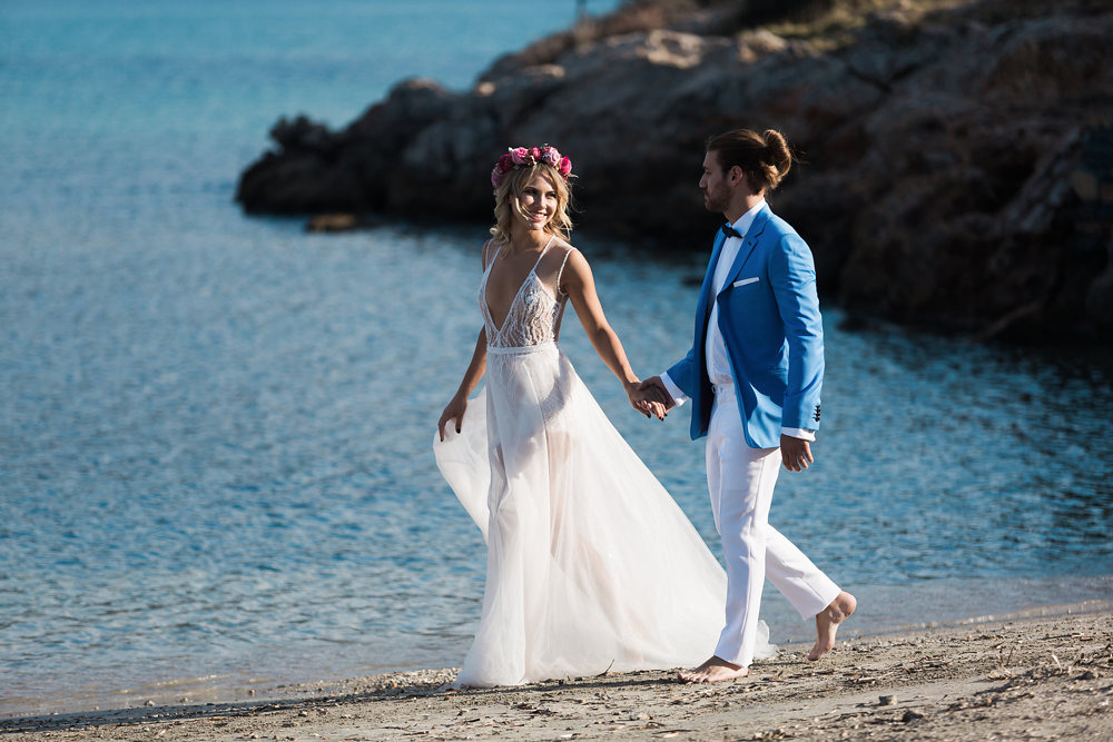Love Is At Your Fingertips In This Beautiful Chic Athens Wedding