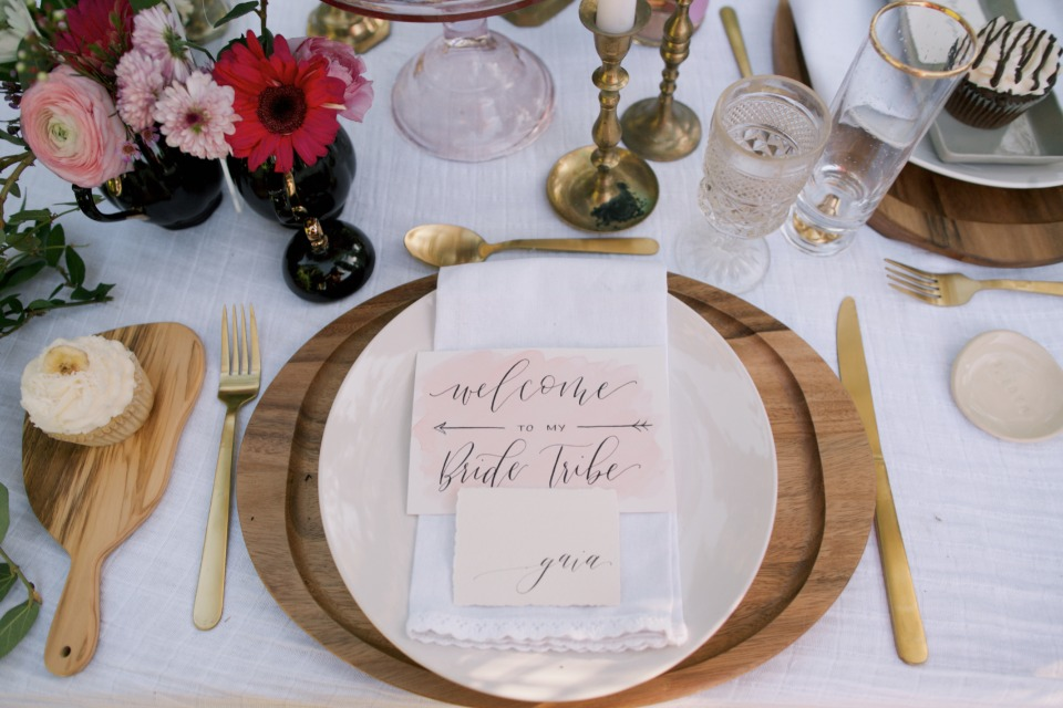 summer place setting decor