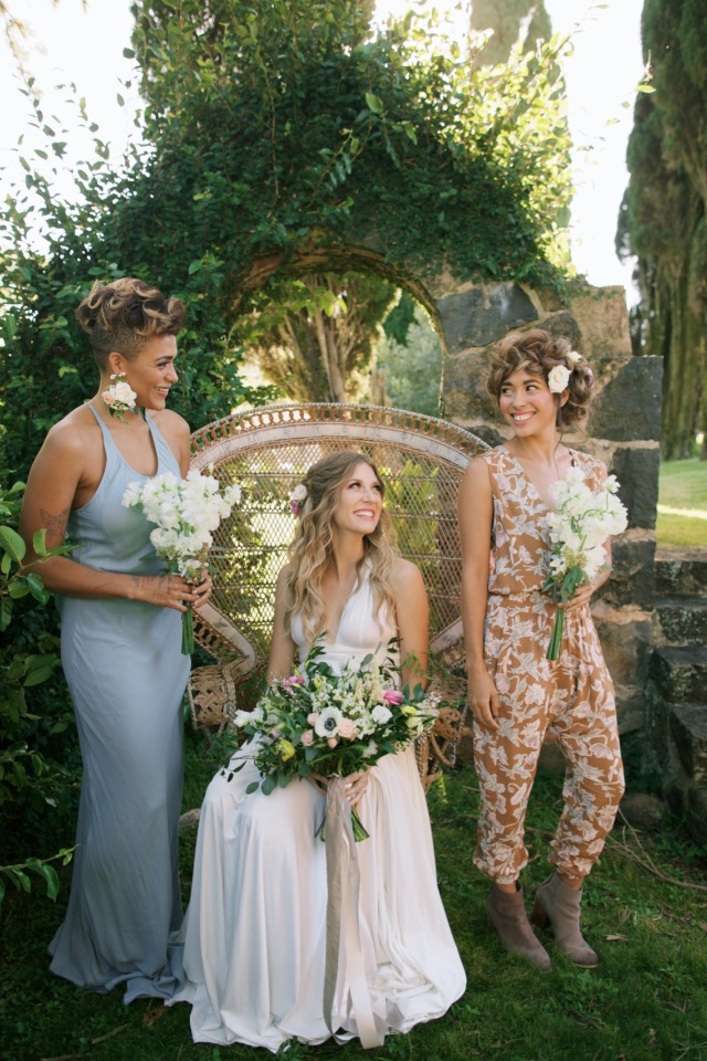 alternative summer bridal party style
