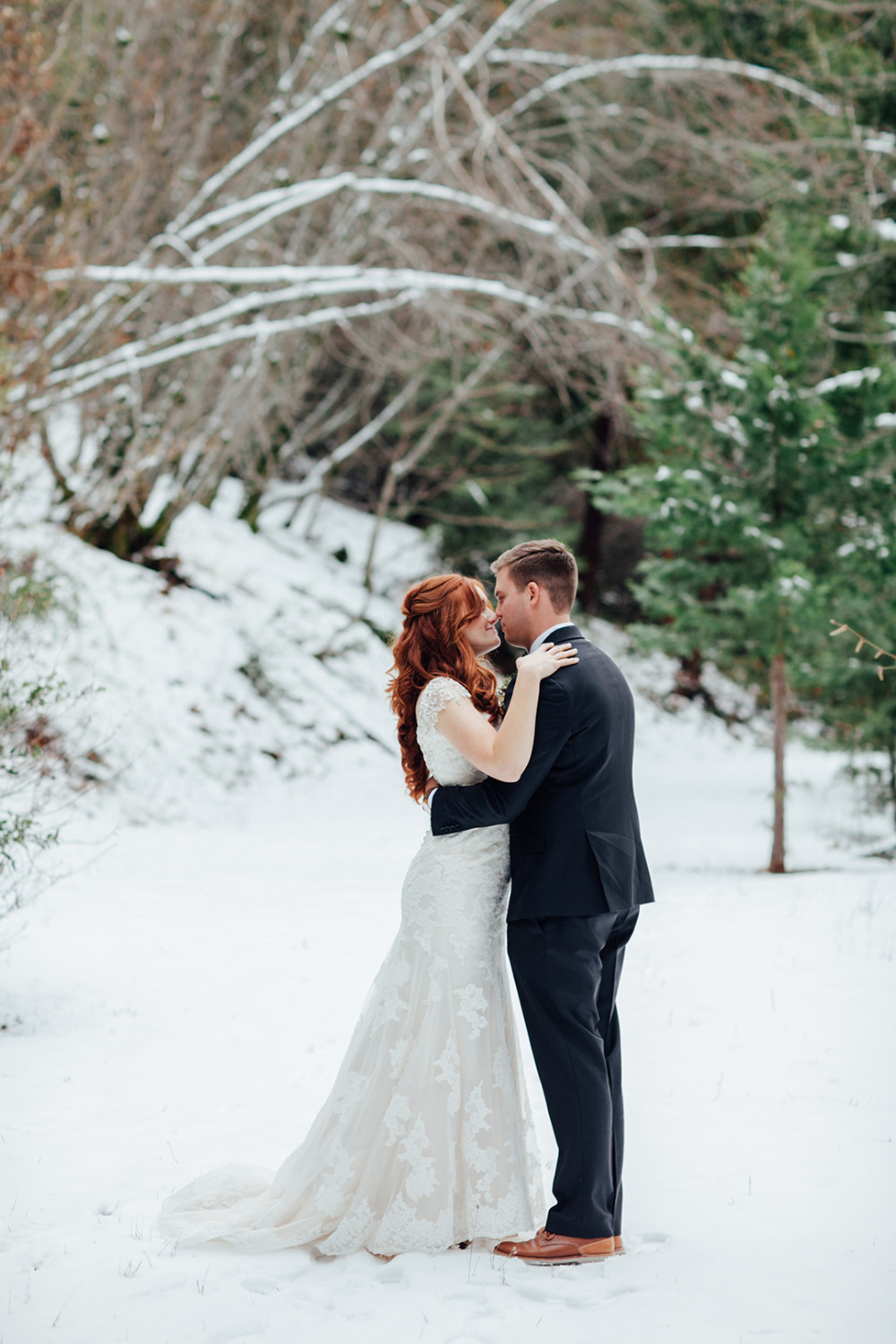 fun in the snow on your wedding day