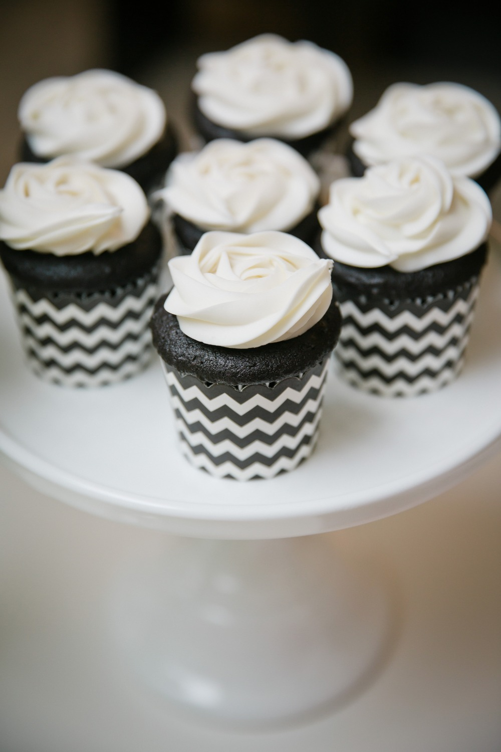 3644 black white and red vintage art deco bridal shower ideas