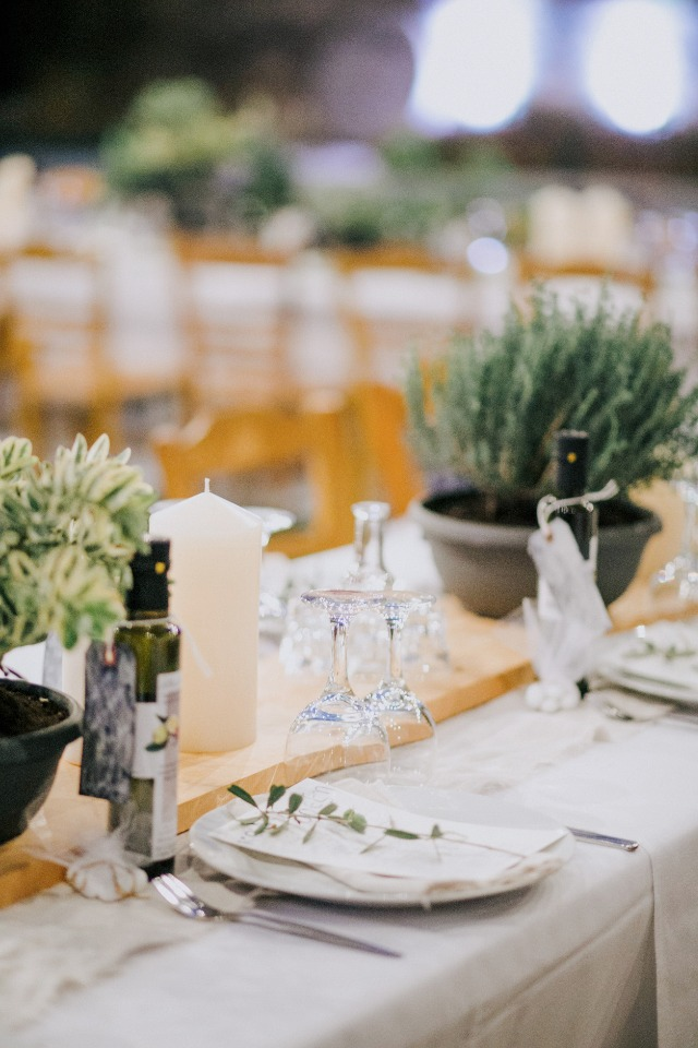 organic wedding table decor