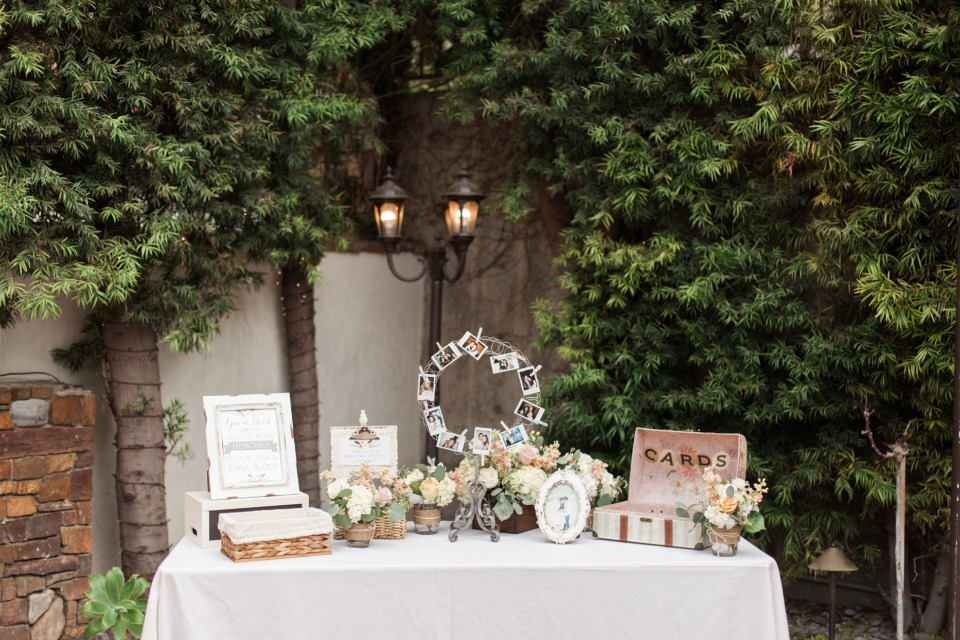 Cute welcome table