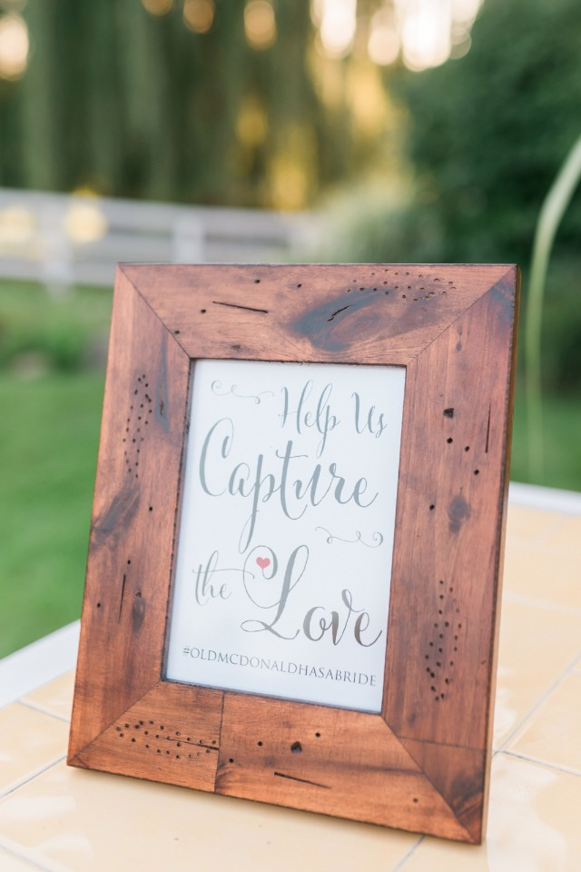 help us capture the love hashtag sign