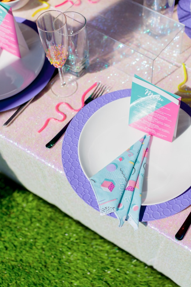 Cute bridal shower table decor