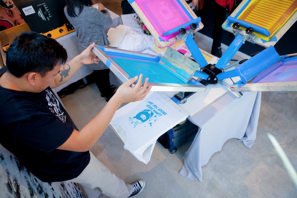 Cool live screen printing