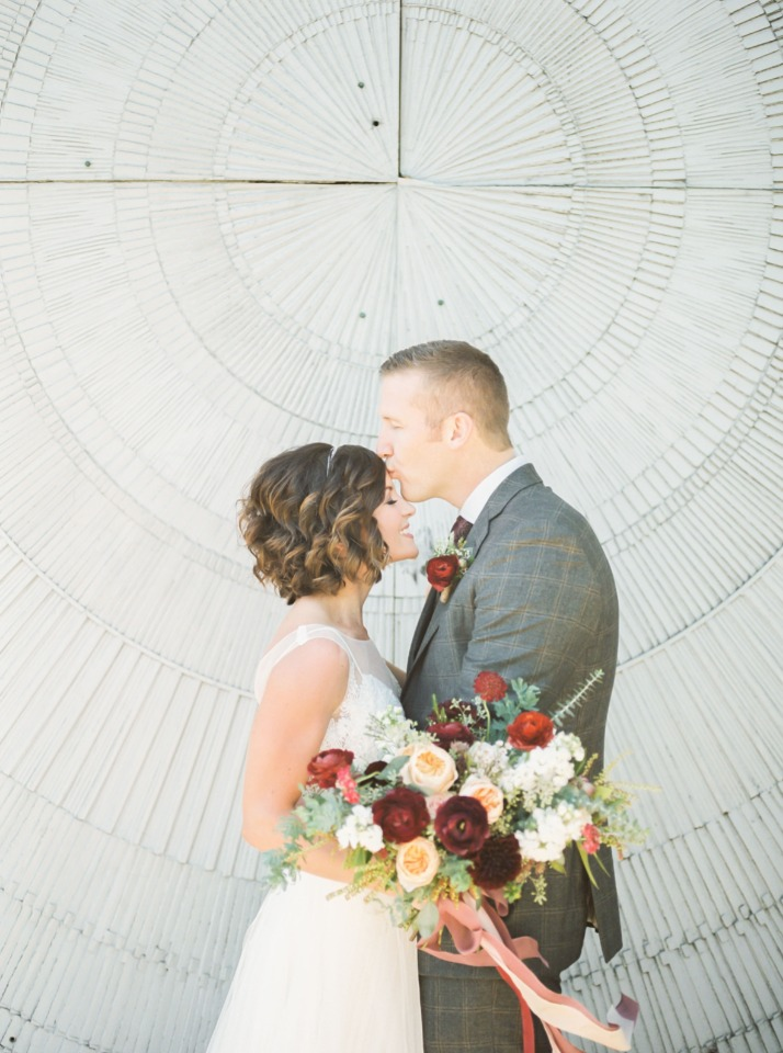 Must-have forehead kiss photo