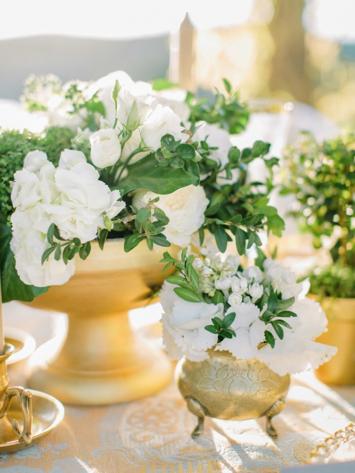 Elegant low centerpiece
